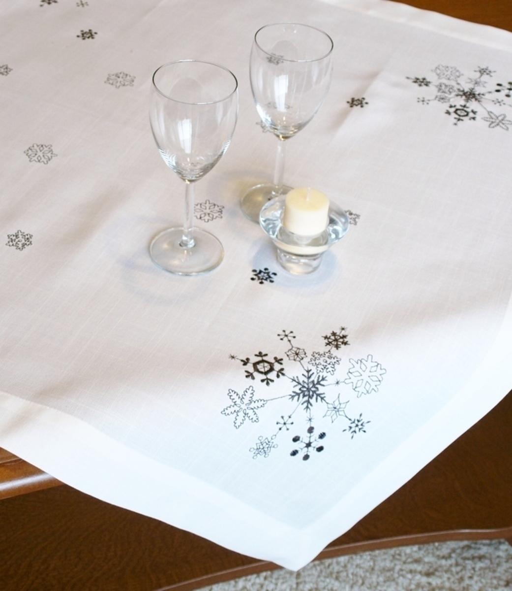 Forbyt, Ubrus vánoční, Sněhové vločky 85 x 85 cm