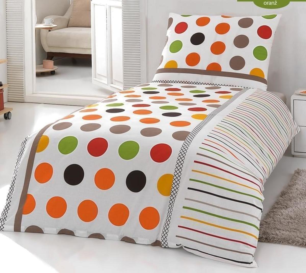 Přehoz na postel s kombinovanými vzory